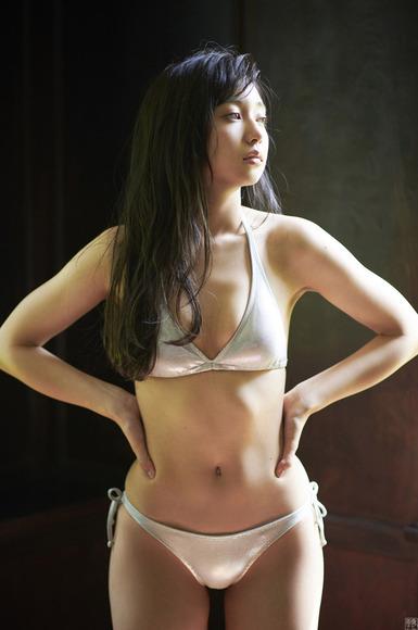 190623小宮有紗のエロ画像014