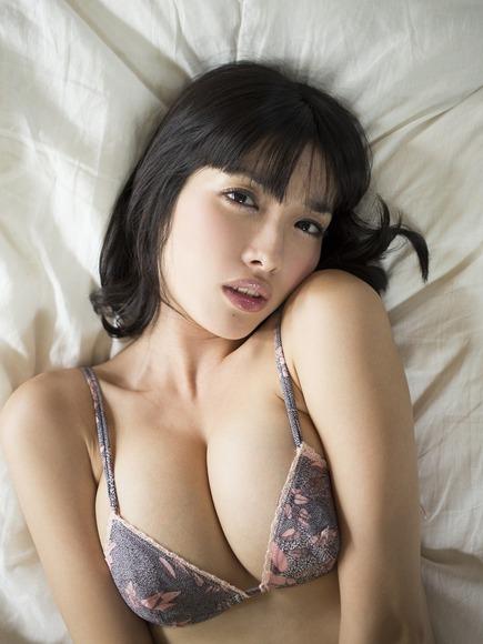 big_boobed_girl042