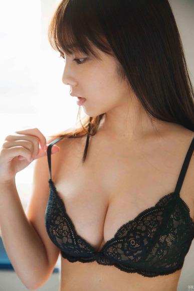 200311与田祐希のエロ画像011