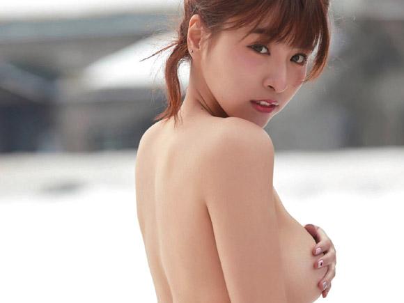 お顔の可愛さと胸の大きさで日本男子にも以前から有名だったチュンチュンさん