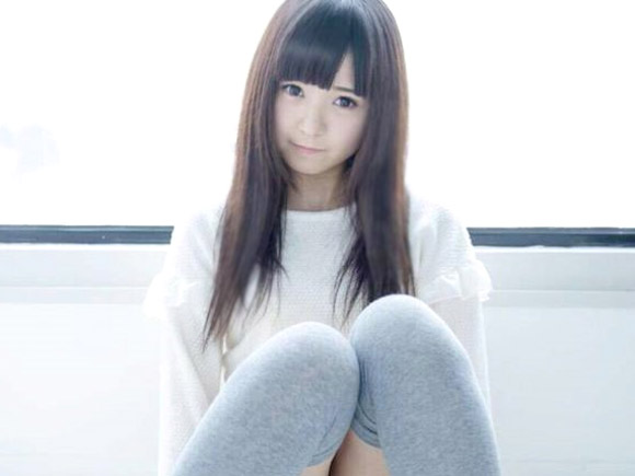 島崎結衣のエロ画像
