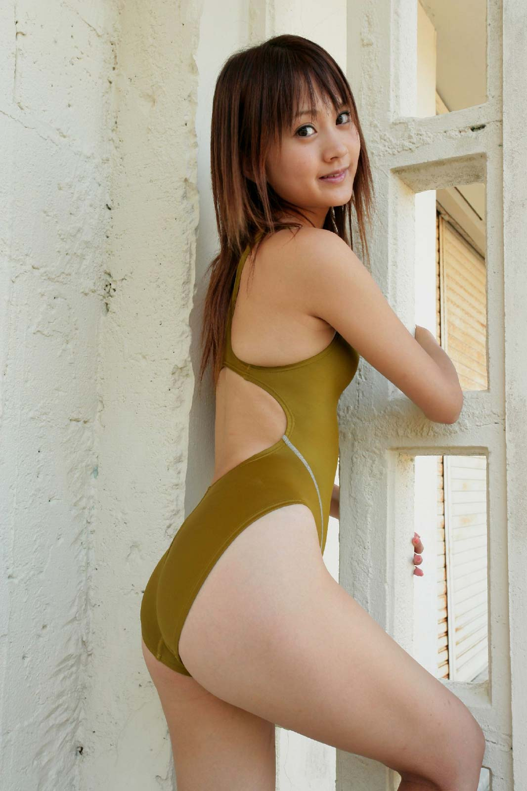 【30枚】浜田翔子の競泳水着コレクション画像13