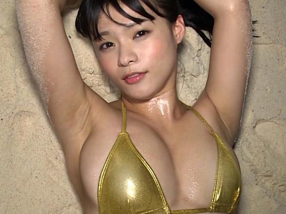 【衝撃】巨乳JKグラドル星名美津紀(18)おっぱいポロリ⇒乳輪はみ出し、そのままDVD発売…(画像あり)