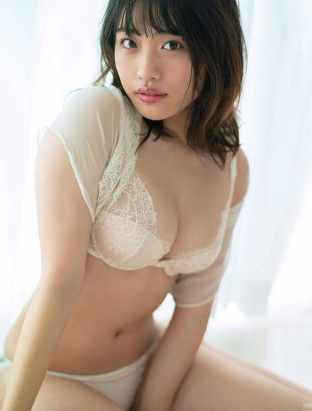 210918石田桃香022