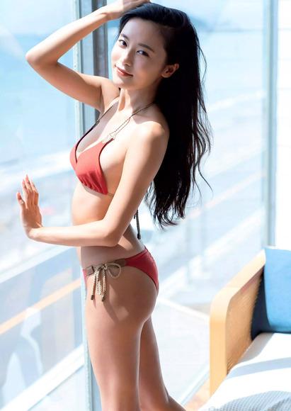 201019小島瑠璃子のエロ画像006