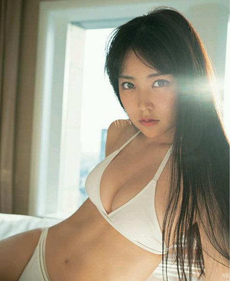180821白間美瑠のセクシーグラビア画像009