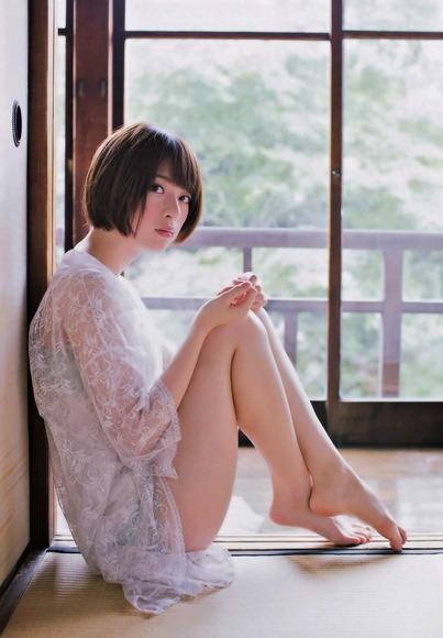 橋本奈々未の美脚画像018