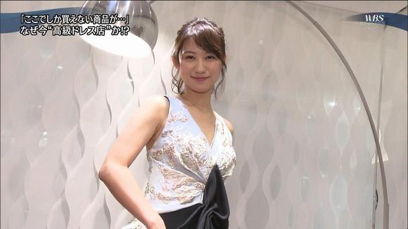 170222高級ドレスのお姉さんの腋フェチ画像017