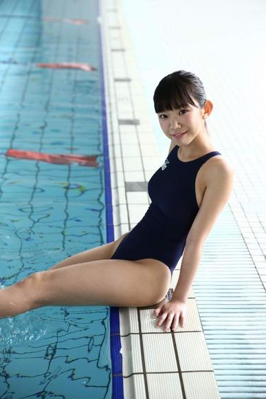 長澤茉里奈の水着画像003