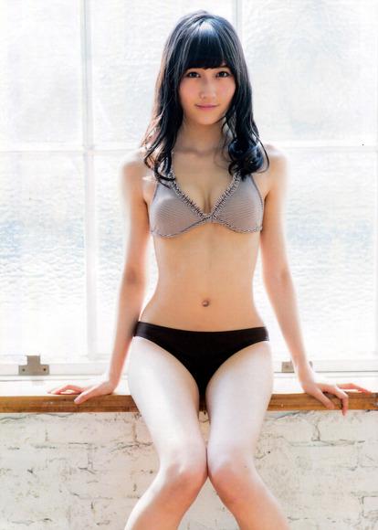 矢倉楓子のふともも画像006