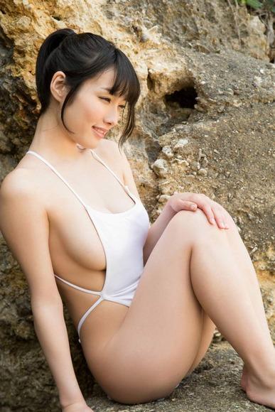 今野杏南の白ハイレグ水着画像006