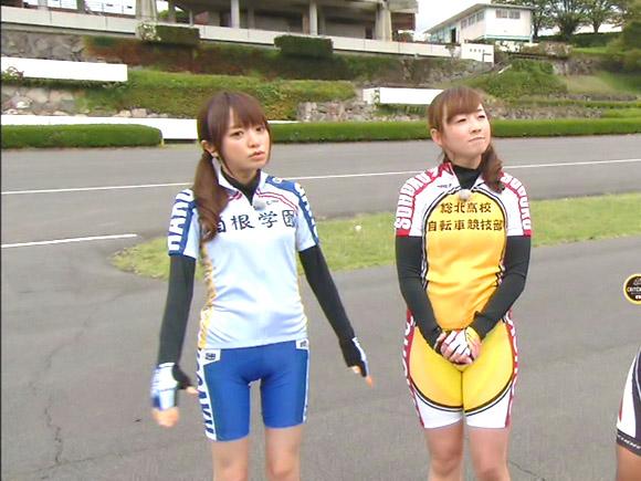 競技自転車用の超ピッタリパンツを履いた紺野あさ美アナ。下半身の形状が浮き彫りになってしまい、こんもりとしたオマ●コの土手が確認されました!