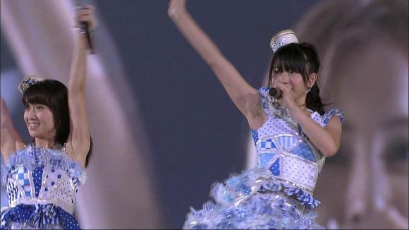 AKB48横山由依の脇フェチ画像005