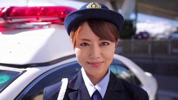 吉沢明歩の婦警コスセックス画像001
