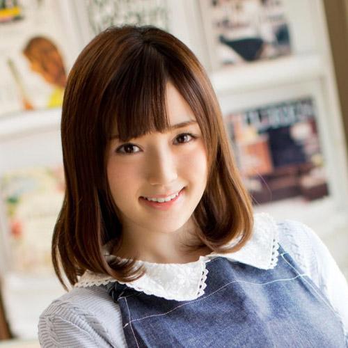 どう見てもAV女優に見えない文学部1年の鈴原エミリがAVデビュー
