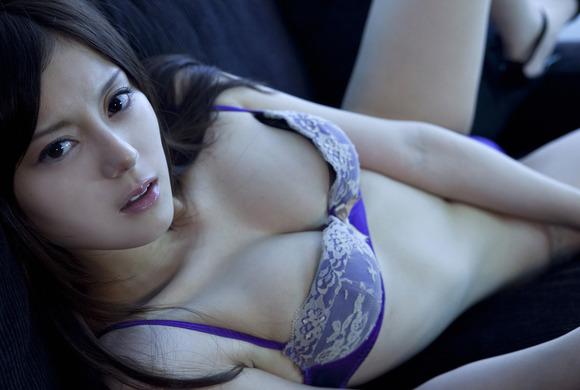 妖艶な下着姿のイイ女-画像013