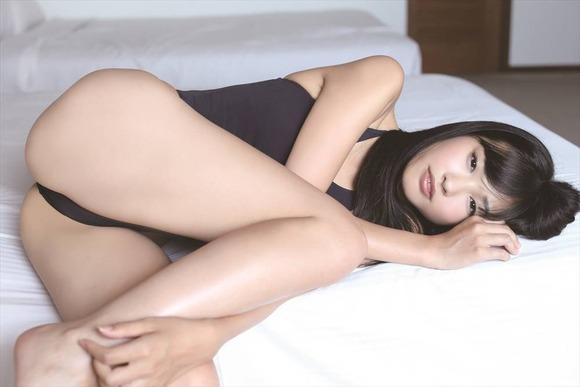 小林かれん006