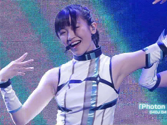 【画像】D4DJの声優ライブがおっぱい・パンチラ・腋マ○コ祭りwwwwww | エロ画像ときめき速報