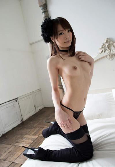 鈴村あいりのヌード画像025