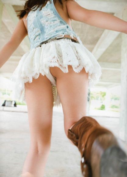 panty in skirt023