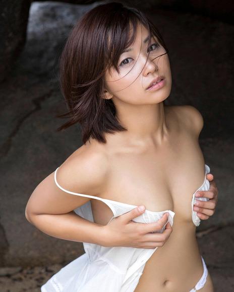 安枝瞳画像004