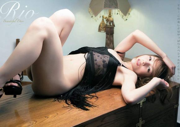 AV女優Rioのエロ画像040