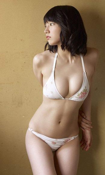 170107吉岡里帆のエロ画像007