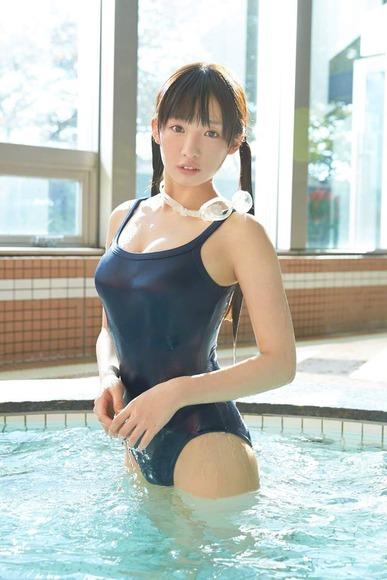 椎名ひかりのスク水グラビア画像003