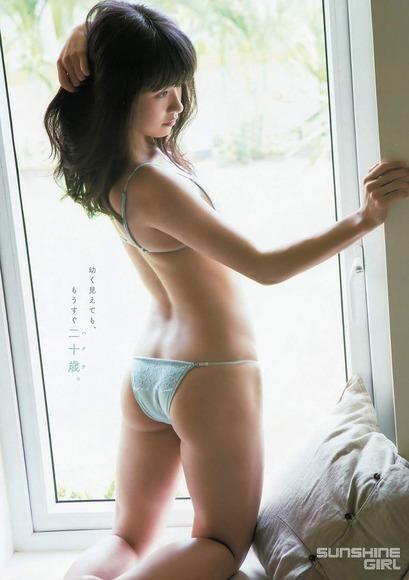 百川晴香のグラビア画像015
