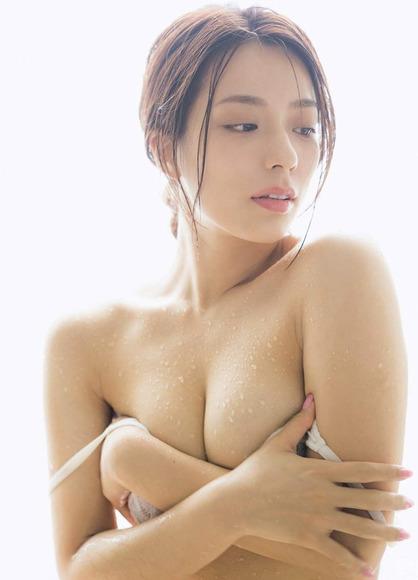 191204小瀬田麻由のエロ画像009