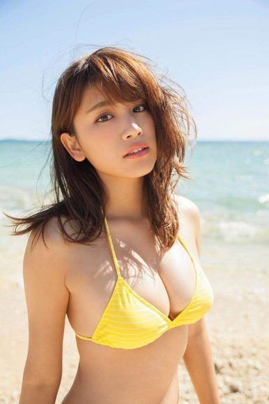 170525久松郁実のセクシー画像006
