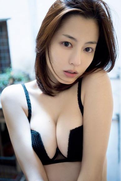 杉本有美 史上最高に過激なグラビア画像012