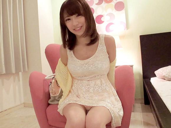 川栄李奈似の美少女がホテルでハメ撮り動画
