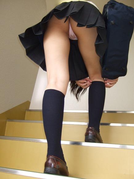 131013制服スカート×尻013
