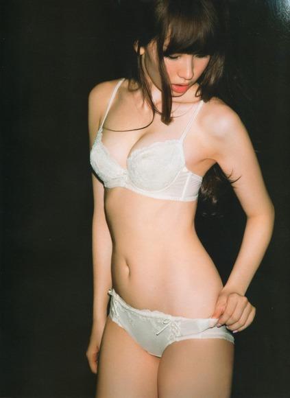 大島優子と小嶋陽菜のan・an画像013