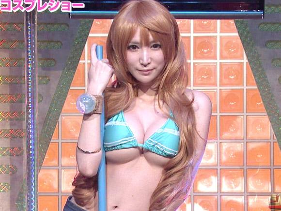 るしゃさんという有名な美少女コスプレイヤーがテレ東の番組に出演したところ大反響