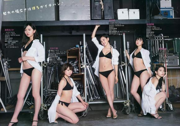 HKT水着で集合グラビア005