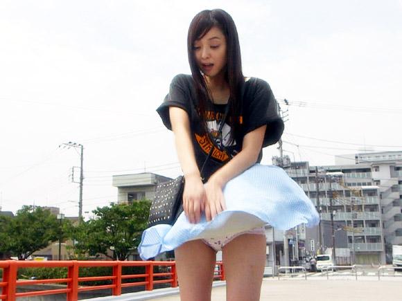 【ガチ画像】佐々木希のパンツが丸出しwww⇒これは恥ずかしいwww