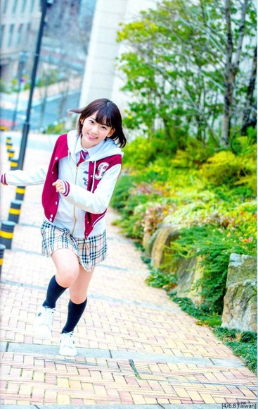 HKT宮脇咲良のグラビア画像027