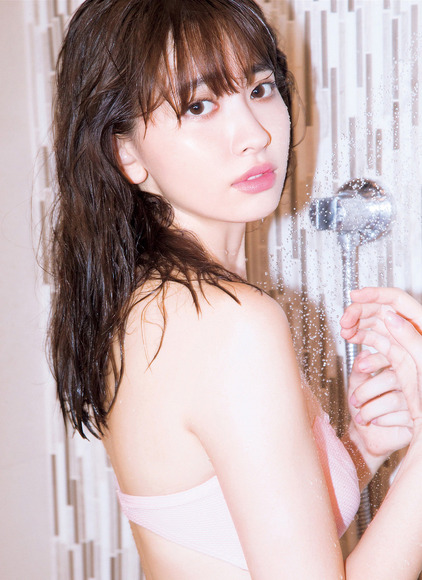 170315小嶋陽菜のランジェリー画像007