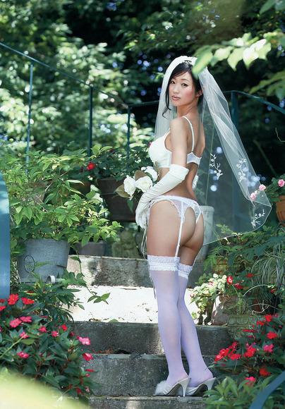 壇蜜の着衣エロス011