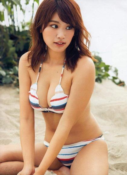 170525久松郁実のセクシー画像010