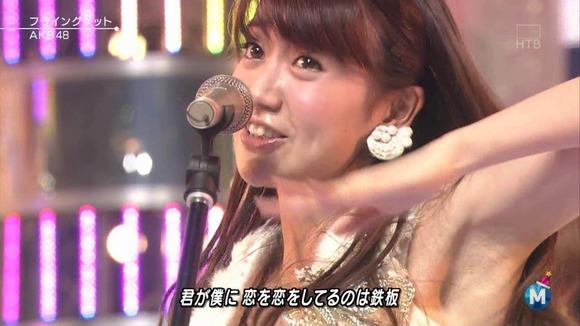 大島優子の脇フェチ画像010