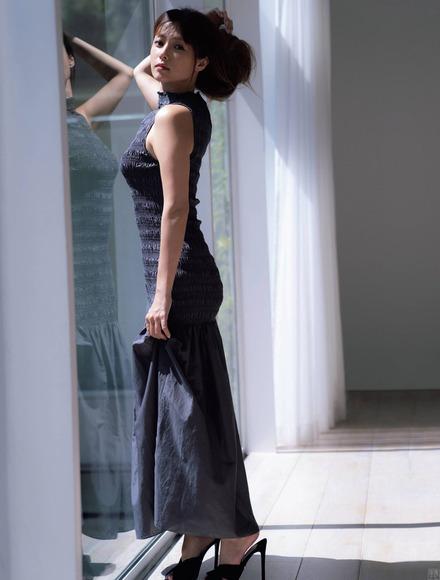 201129深田恭子の画像010