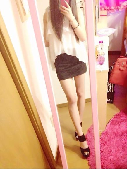 スカートと綺麗な脚021
