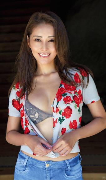 201210熊切あさ美の画像007