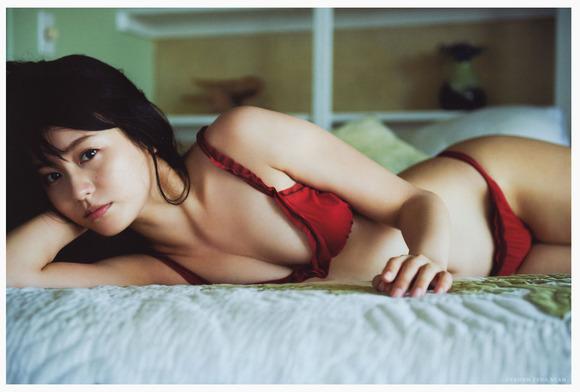 本仮屋ユイカ001