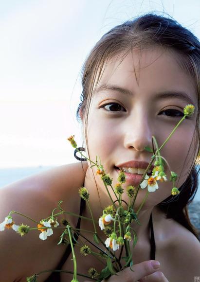181102今田美桜のエロ画像008