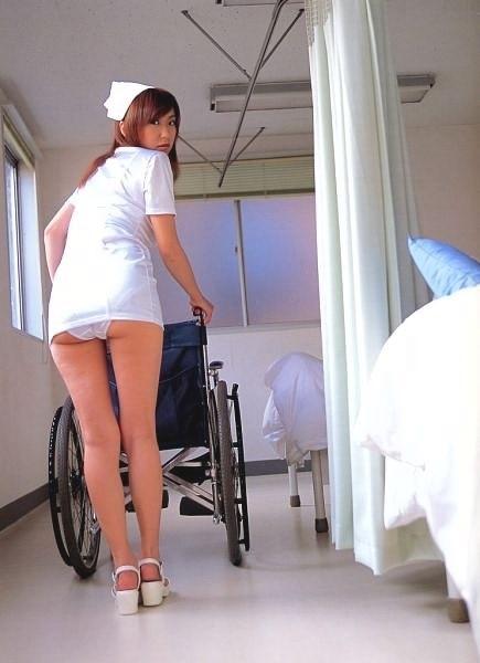 病院いくならこんな看護婦_0004