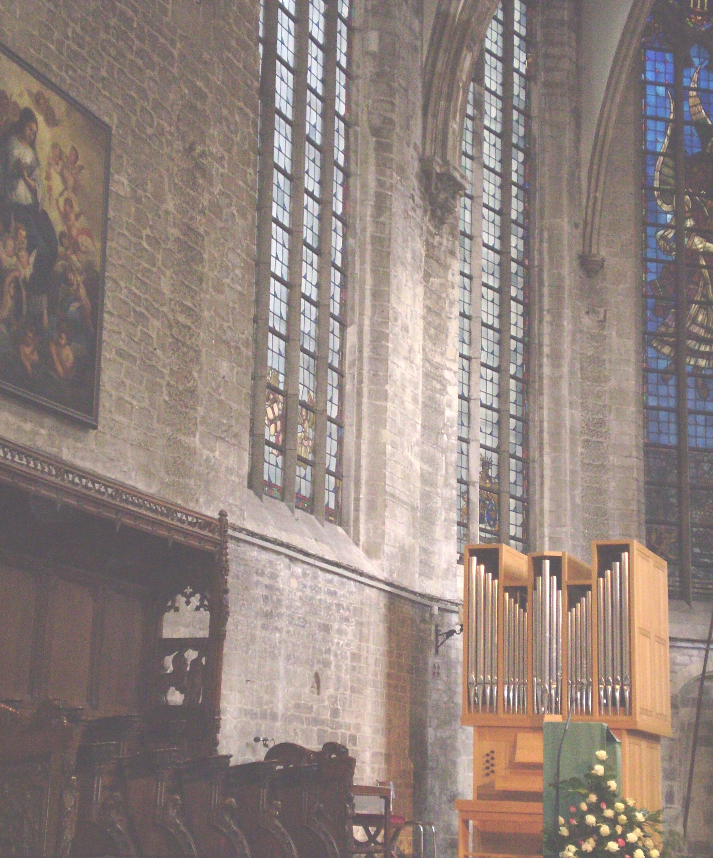 ブルッセル 教会内